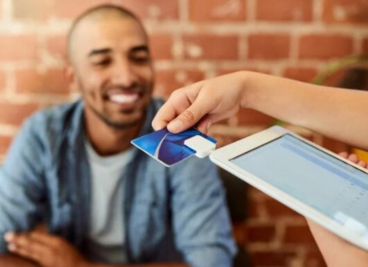 现金返还信用卡奖励的案例